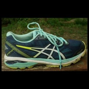 Womens sz 8.5  Asics GT 1000 T6A8N Running Shoes